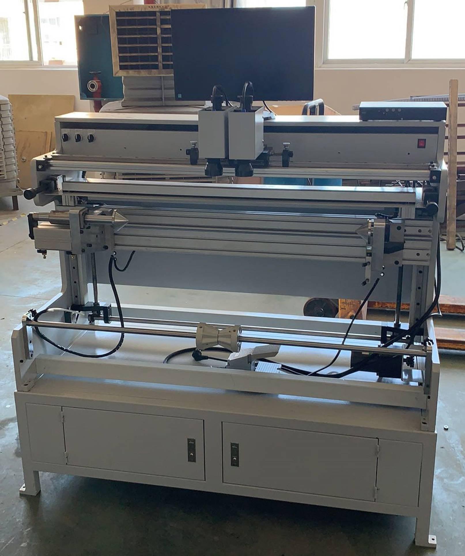 Система наклейки флексографских форм на формные цилиндры и гильзы SM-450 - подробные фотографии и видео работы - монтажный стол для флексографских форм – стол для монтажа флексографских форм. Фотография 1.