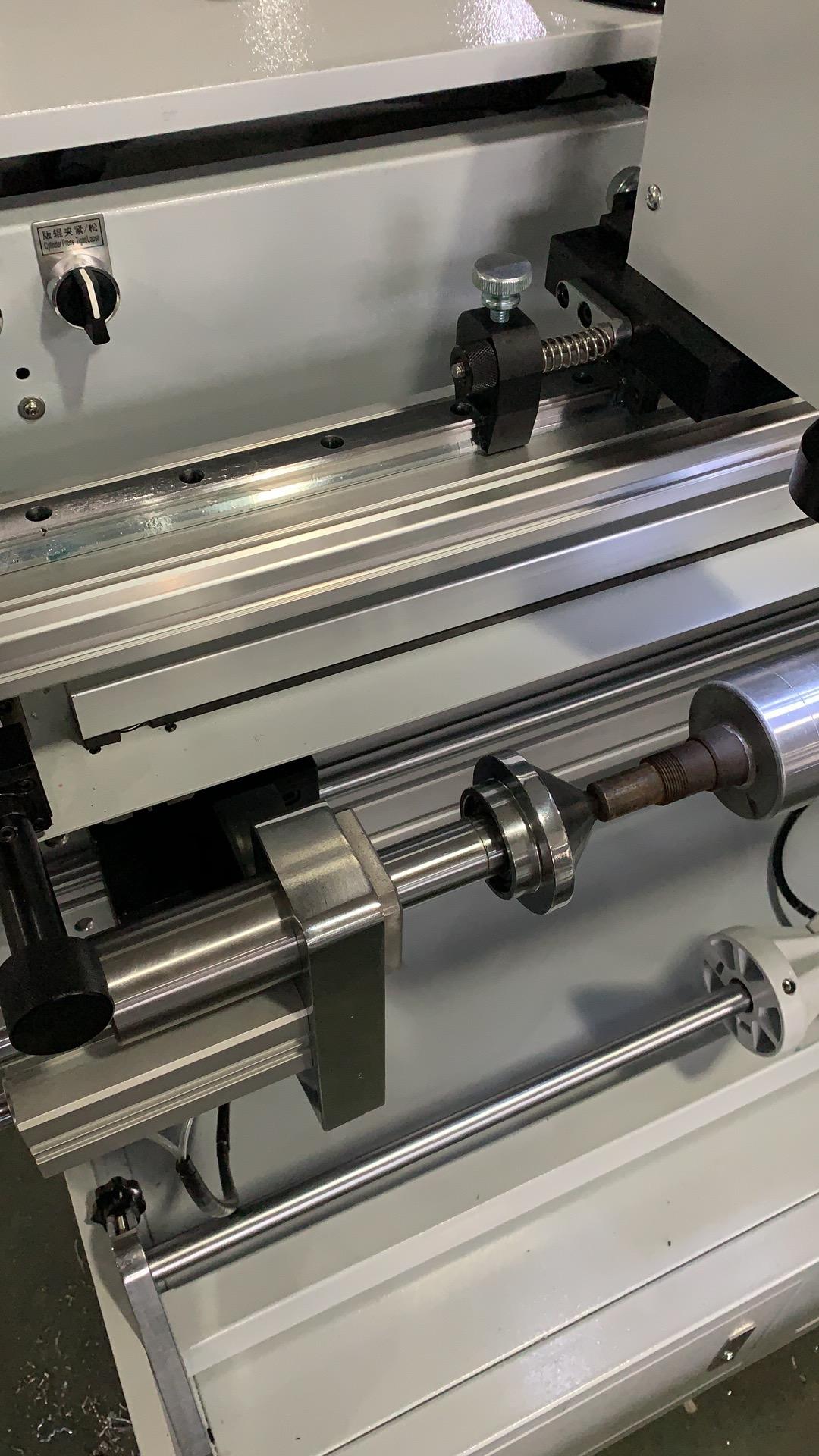 Система наклейки флексографских форм на формные цилиндры и гильзы SM-450 - подробные фотографии и видео работы - монтажный стол для флексографских форм – стол для монтажа флексографских форм. Фотография 6.