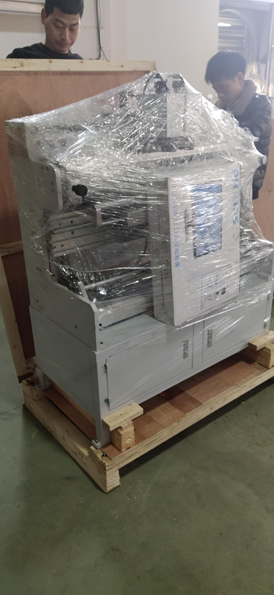 Система наклейки флексографских форм на формные цилиндры и гильзы SM-450 - подробные фотографии и видео работы - монтажный стол для флексографских форм – стол для монтажа флексографских форм. Фотография 9.