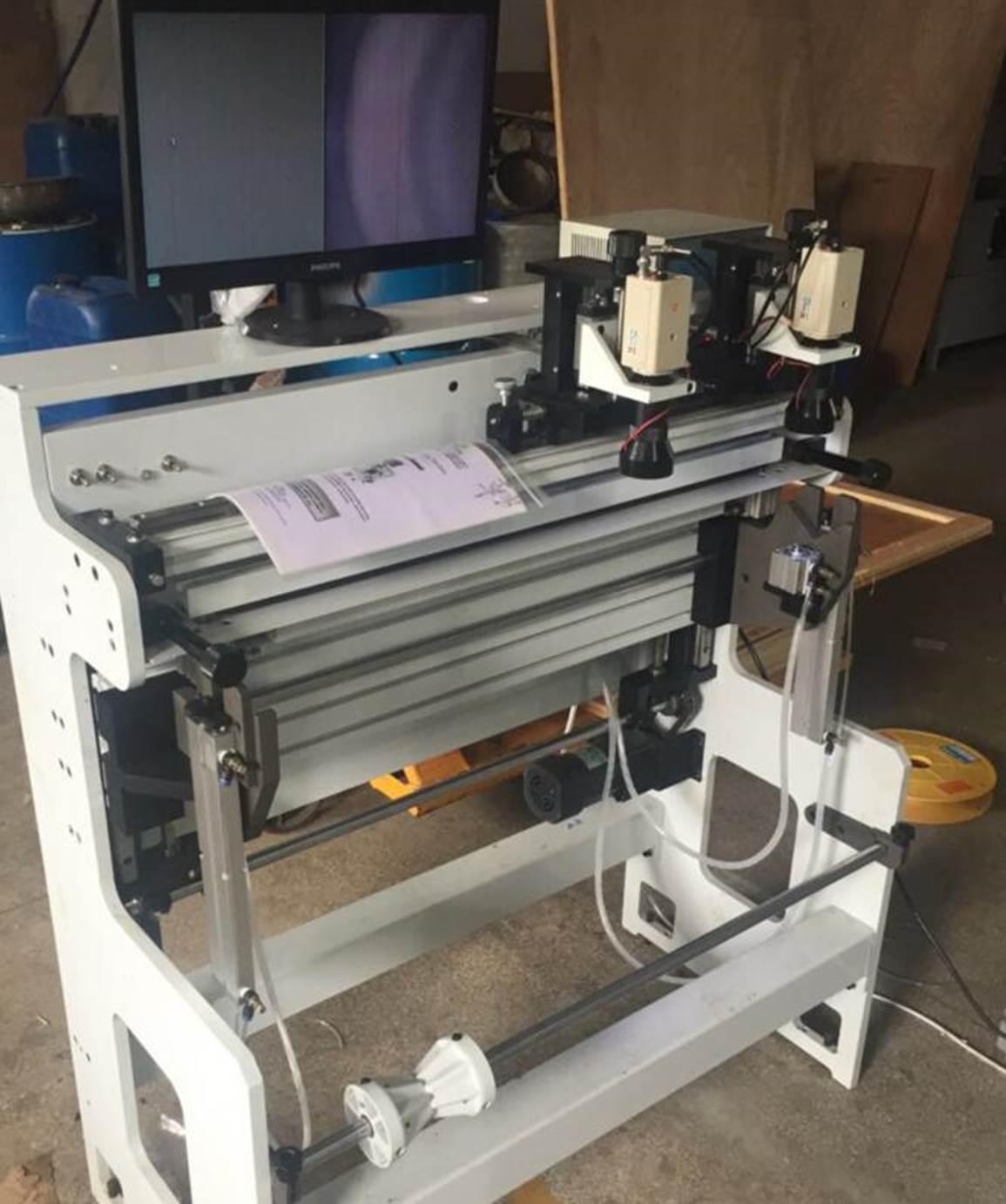 Подробные фотографии системы наклейки флексографских форм SM-450  для наклейки форм на формные цилиндры итальянской печатной машины. Фото 5.