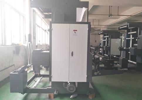 YT-1600 - Широкорулонная 1-цветная флексографская печатная машина ярусного построения. Фотография 1.